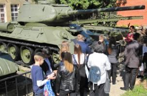 В Смоленске отметили День танкиста