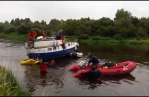 На видео сняли спасение яхты с норвежцами, которые плыли через Смоленск