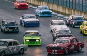 На Смоленщине прошли ретро-гонки на советских автомобилях
