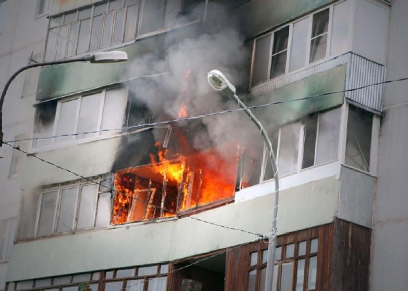 В Смоленске при пожаре пострадал мужчина