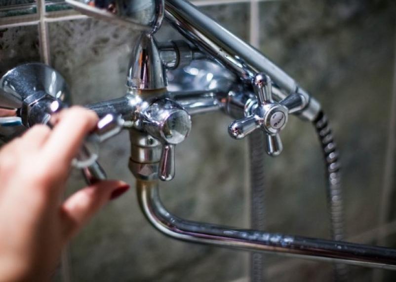 Жители центра Смоленска дождались горячей воды
