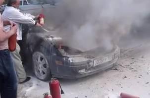 В Смоленской области иномарка вспыхнула во время движения