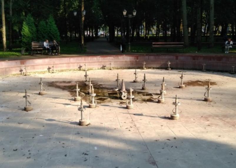 «Кина не будет»: в Смоленске снова отключили фонтаны