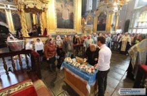 В Смоленск доставлена великая христианская святыня. Фоторепортаж