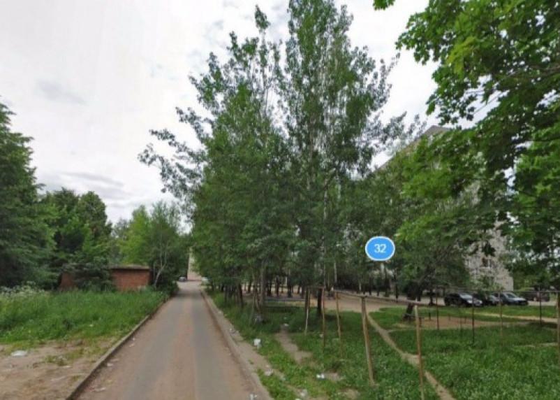 В Смоленске мусоровоз насмерть задавил пенсионерку возле школы