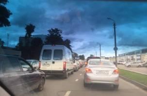 «Колхозка колом»: в Смоленске собралась огромная пробка