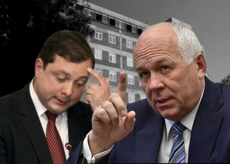 Алексей Островский vs. Сергей Чемезов: кто ответит за долгострой перинатального центра?