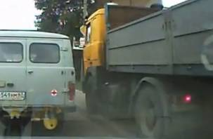 Полет большегруза без тормозов снял на видео смоленский водитель
