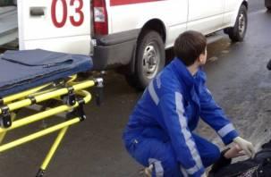 Водитель без прав сбил смолянку на тротуаре