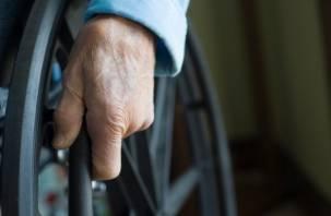Инвалид из Смоленска «заперт» в собственной квартире