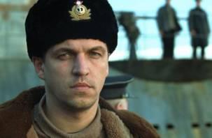 Агрессивная стюардесса угрожала актеру из «Брата-2» посадить самолет в Смоленске