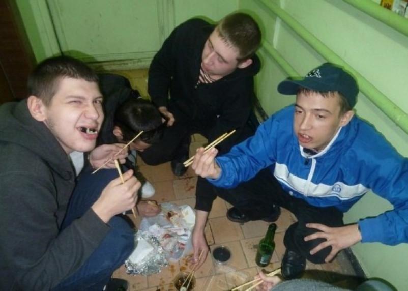 В Смоленске доставщика суши «развели» на крупную сумму