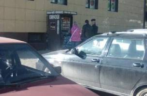 Два молодых парня обчистили кофе-автоматы в Смоленске