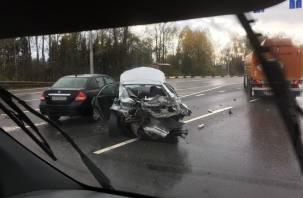 Тройное ДТП с фурой произошло в Кардымовском районе. Есть пострадавший