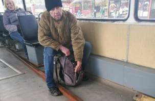 Смолянин-заяц затащил арматуру в трамвай и разозлил кондуктора