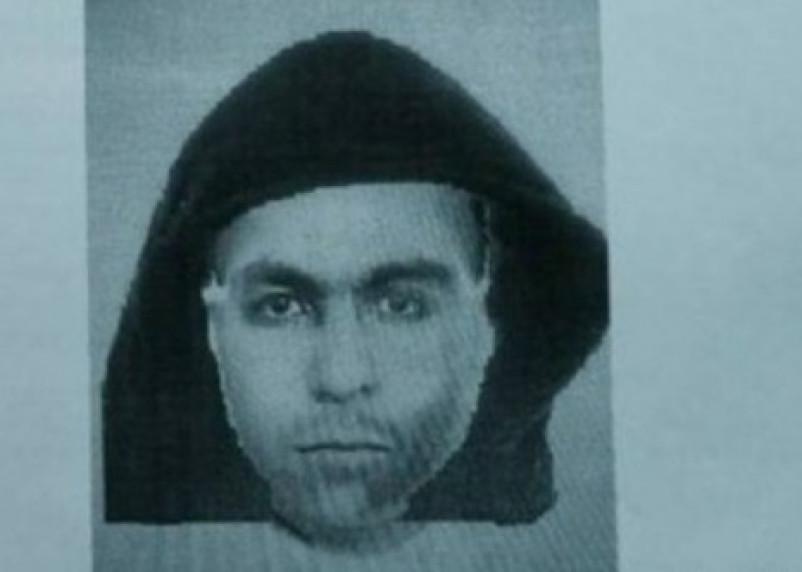 В Смоленске нерусский мужчина пырнул девушку-таксиста ножом: идет поиск злоумышленника