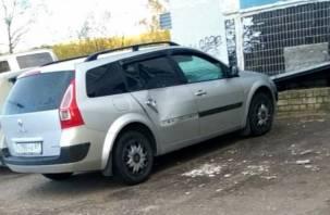 «Жилищник» ответил жильцам дома на Автозаводской: отобьем фасад и заштукатурим