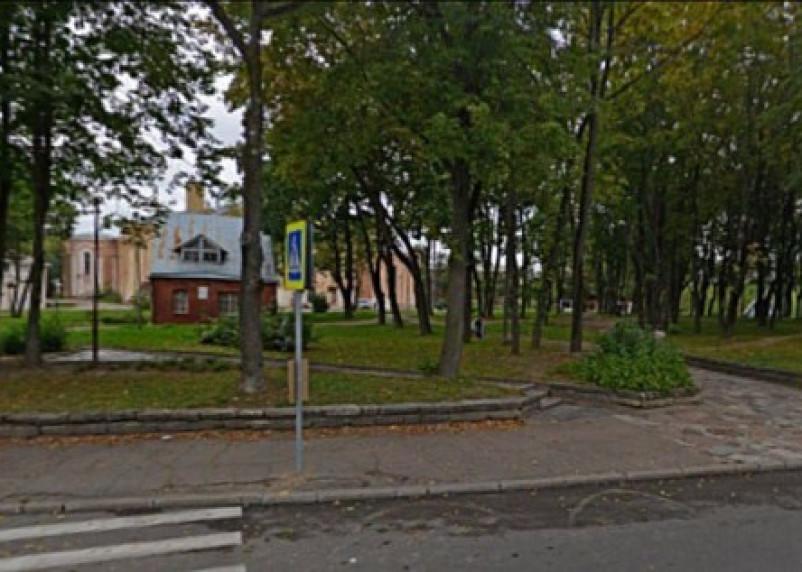 В Смоленске за кинотеатром «Октябрь» появится детский игровой комплекс