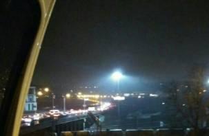 «В Заднепровье не попасть»: мост на улице Степана Разина перекрыт из-за аварии