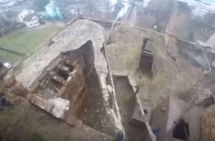 В Смоленске подростки сняли на видео смертельно опасную прогулку по «чайнику»