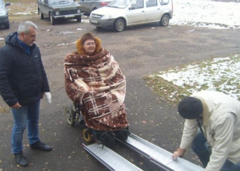 На Смоленщине продолжается позорный суд над женщиной-инвалидом, которая помогла беженцам из Донбасса