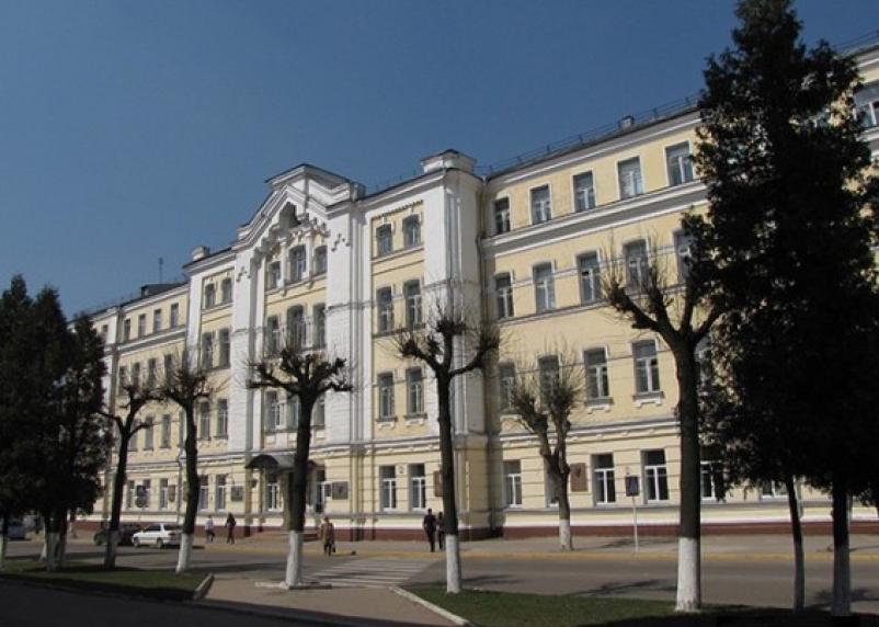 В Смоленском госуниверситете выступил всемирно известный дизайнер Антонио Лароса