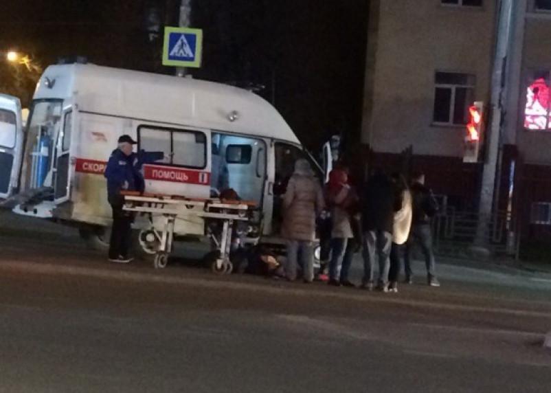 В Смоленске на оживленном перекрестке сбили человека