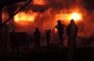 Сгорело смоленское предприятие по производству материалов для мебели