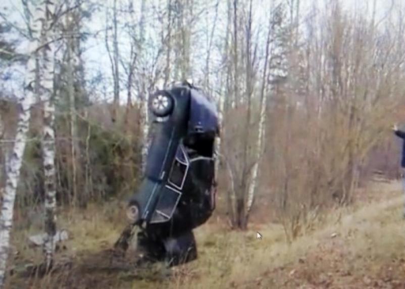 Не вписался в поворот: в Монастырщинском районе произошла жесткая авария