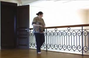 Няня из Смоленска обчистила дом в Подмосковье и попала на видео