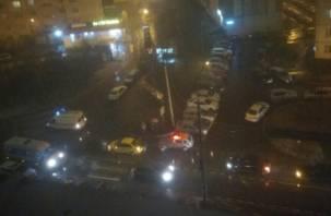 В Смоленске две женщины попали под колеса автомобиля