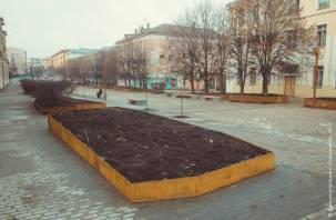 В Смоленске завершено благоустройство сквера на улице Коммунистической