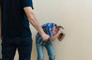 Смоленский уголовник избивал сына «в воспитательных целях»
