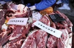 На ярмарках в Смоленске торгуют опасным мясом