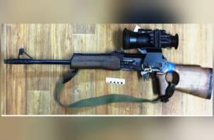 Смоленская молодежь каталась на машине с оружием в салоне