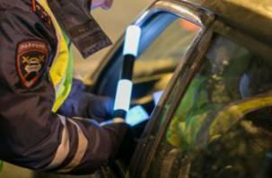 В Смоленске полиция задержала водителя иномарки, напичканной наркотиками