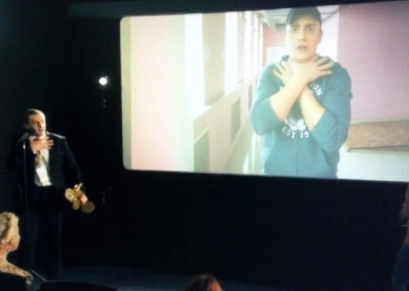 Кисель из «Универа» срочно отправился в Смоленск на кинофестиваль