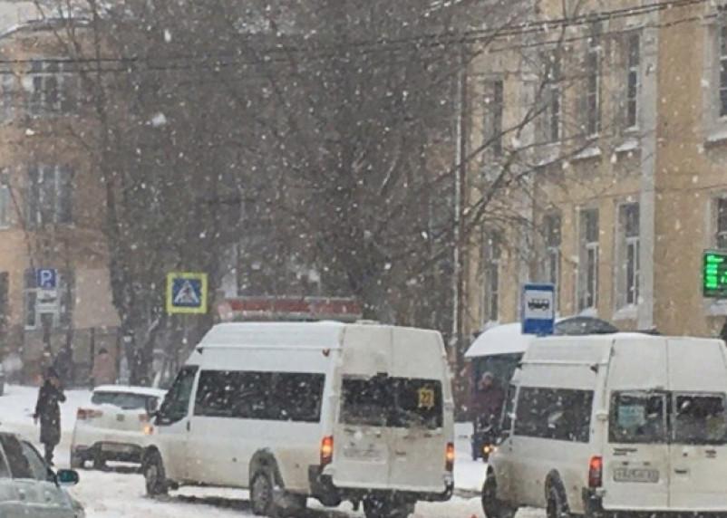 В Смоленске на остановке найдено тело мужчины