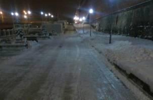 «Адский лед»: смоляне калечатся на набережной Владимира