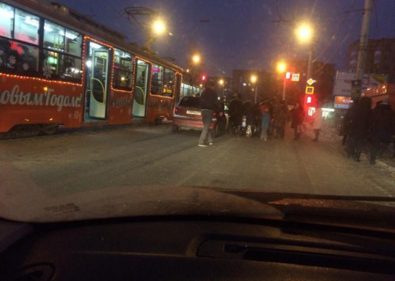 Автоледи сбила подростка в Смоленске