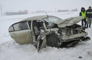 В Гагаринском районе в лобовом столкновении погиб водитель
