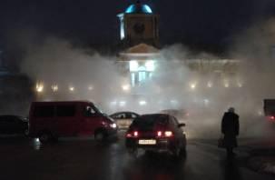 Ничего не видно: из-за прорыва трубы центр Смоленска останется без отопления и воды