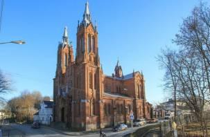 В Смоленске стало сложнее проехать возле костела