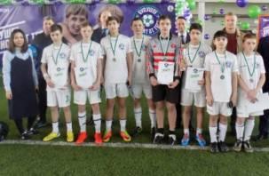 Юные смоленские футболисты из детского дома отправились в Лондон