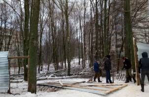 Дом быта в овраге, рынок на теплотрассе: в Смоленске продолжают застраивать Королевку