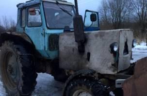 Смолянин угнал припаркованный трактор в Темкинском районе