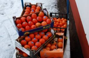 На «Киселевском рынке» в Смоленске уничтожили овощи и фрукты