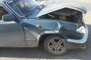 Под Смоленском при лобовом столкновении легковушек пострадал водитель