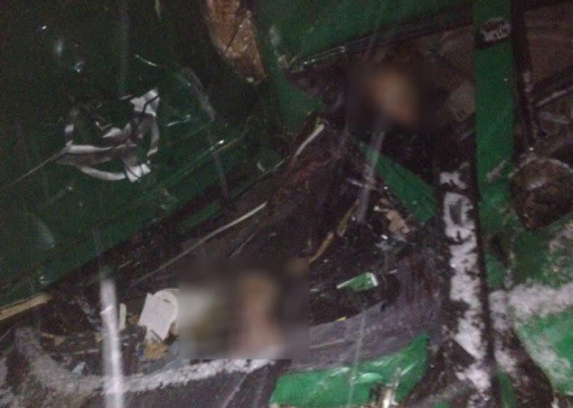 «Месиво из трех фур». В ДТП под Рославлем погиб водитель