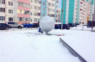 В сквер на улице Ударников в Смоленске привезли долгожданный арт-объект